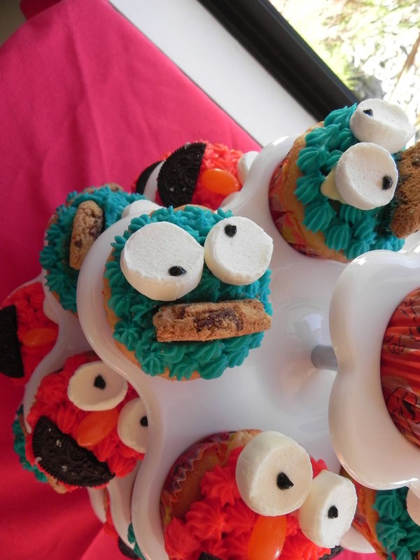 Christmas Decoration Hire Nz : Real parties sesame street elmo party piece of cake
