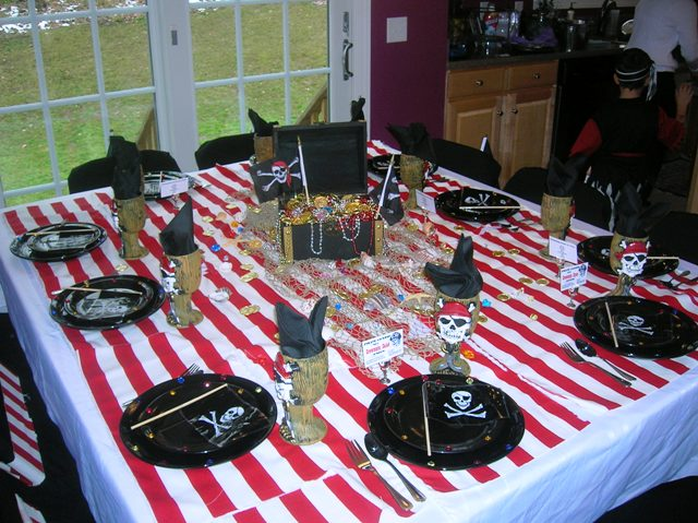 Magnificent Pirate Party Table 640 x 479 · 89 kB · jpeg